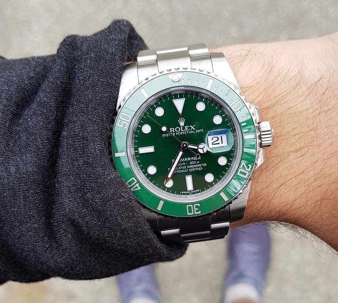 Replica Rolex Submariner Hulk Green Dial 116610LV