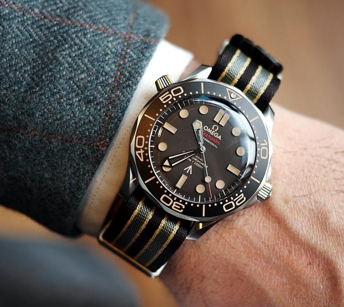 Replica Omega Seamaster 300M No Time To Die 210.90.42.20.01.001 Watch